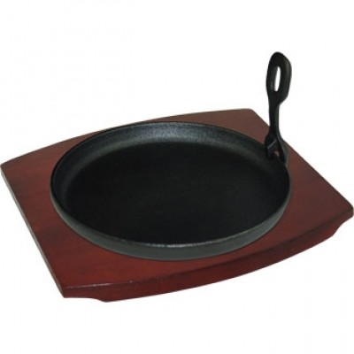 Vogue Cast Iron Round Sizzler with Wooden Stand